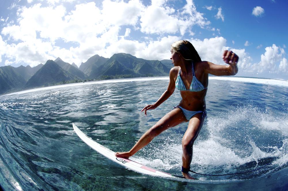 MorganMaassen_Surfing_33