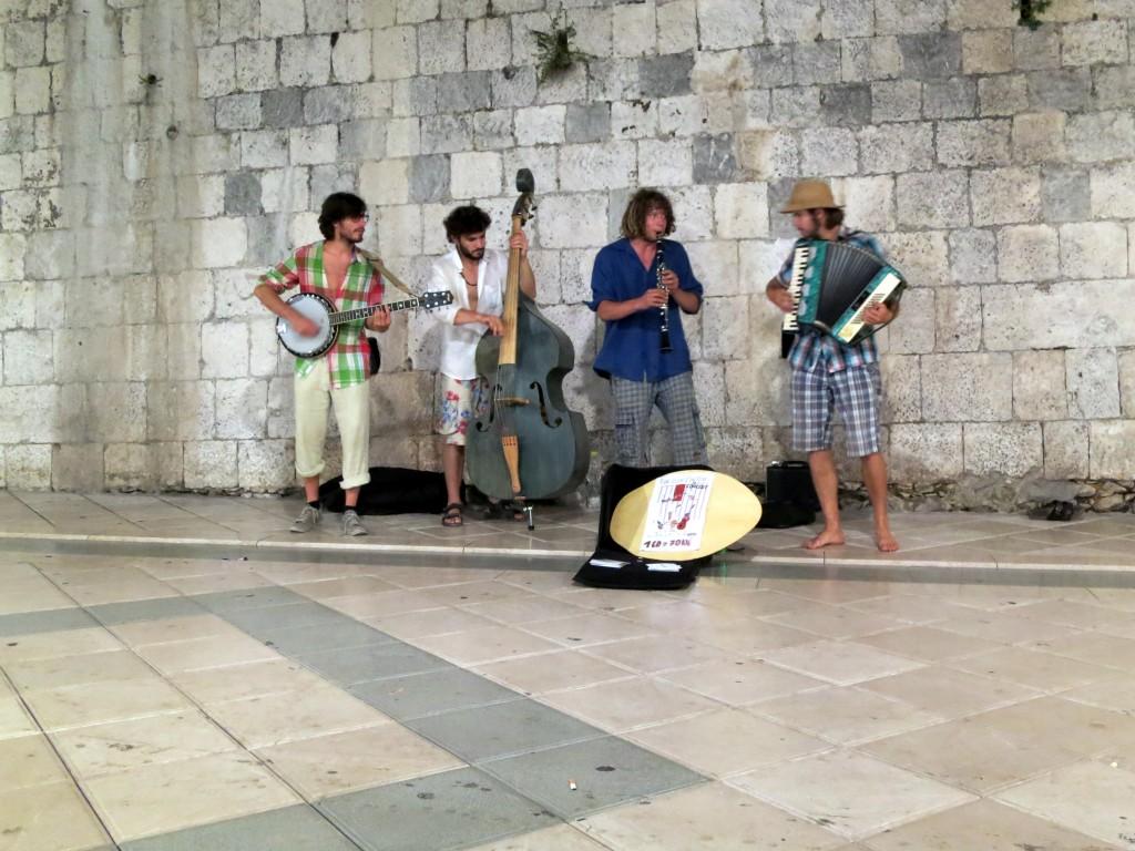 Great musicians on Split's main street