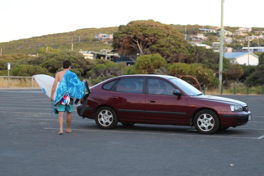 Hyundai surfer